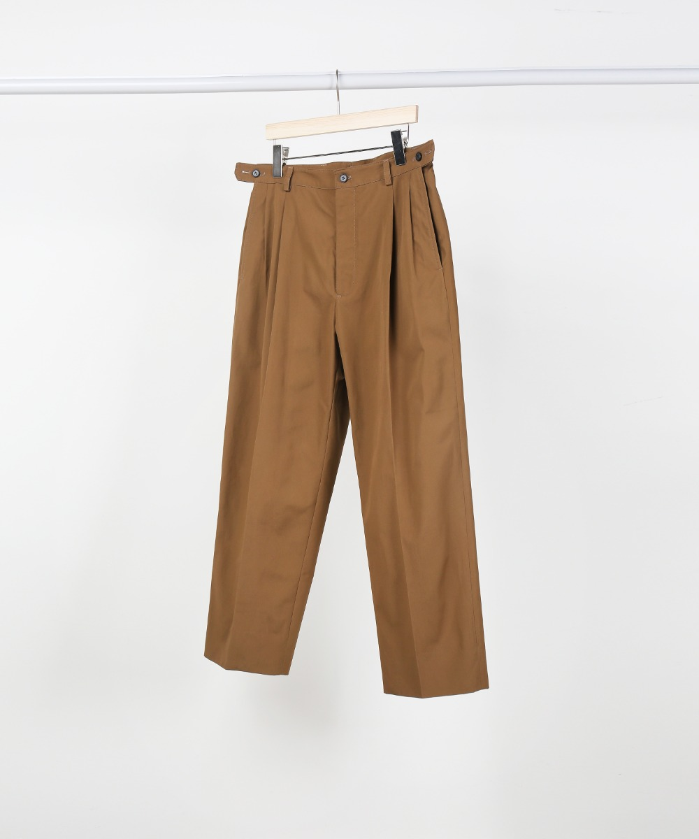 brown button adjustable pants (rider's set up)