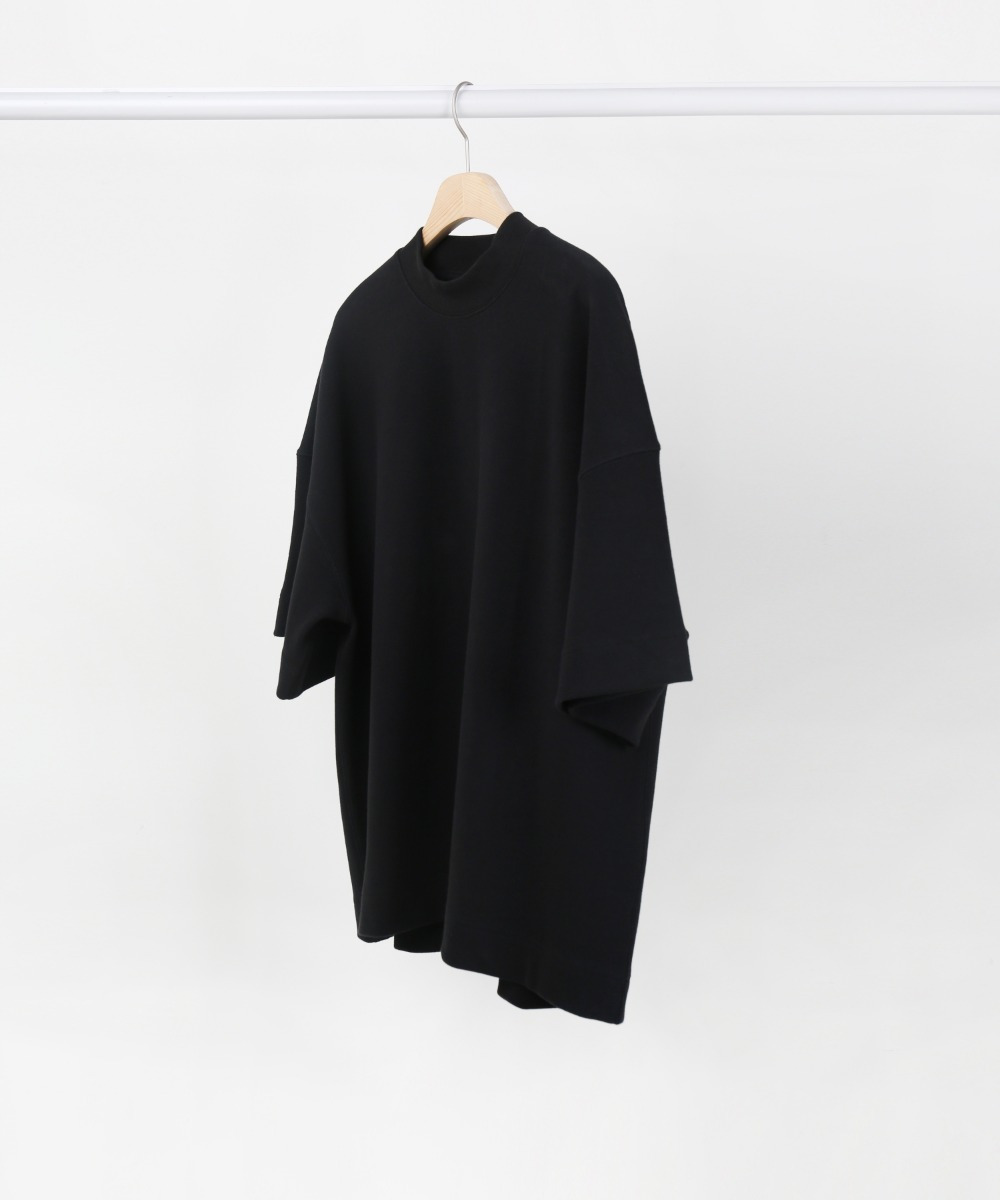 Black Half Sleeve Oversized Cotton Knit 01