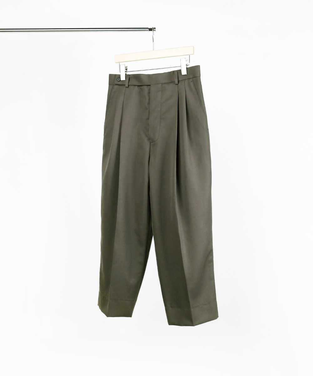 GREY KHAKI TWO-TUCK TAPERED PANTS