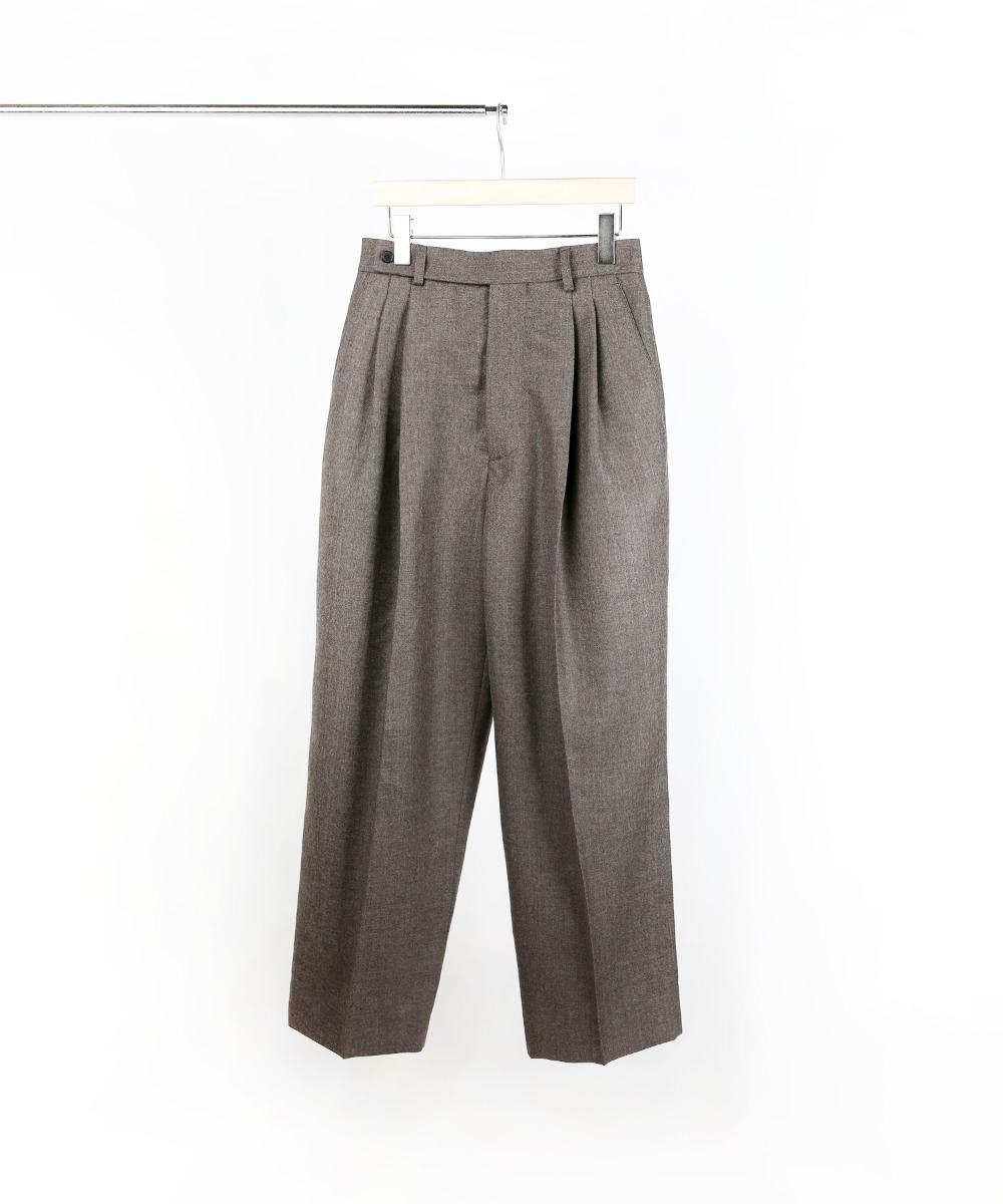 MELANGE BROWN TWO-TUCK WIDE PANTS 01